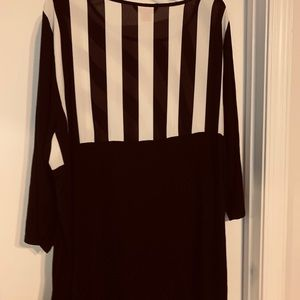 Women's Top Size 3X Black Bone